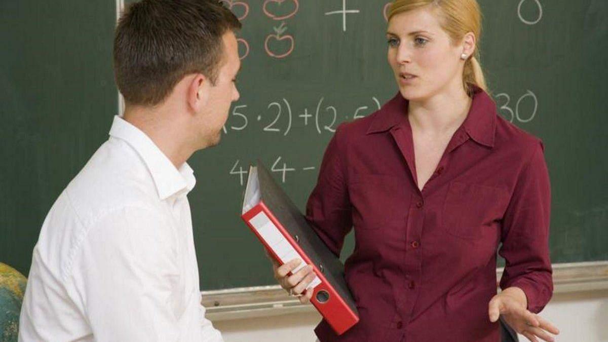 Мобінг у педколективі: як молодому вчителеві не стати жертвою колег та попередити конфлікти