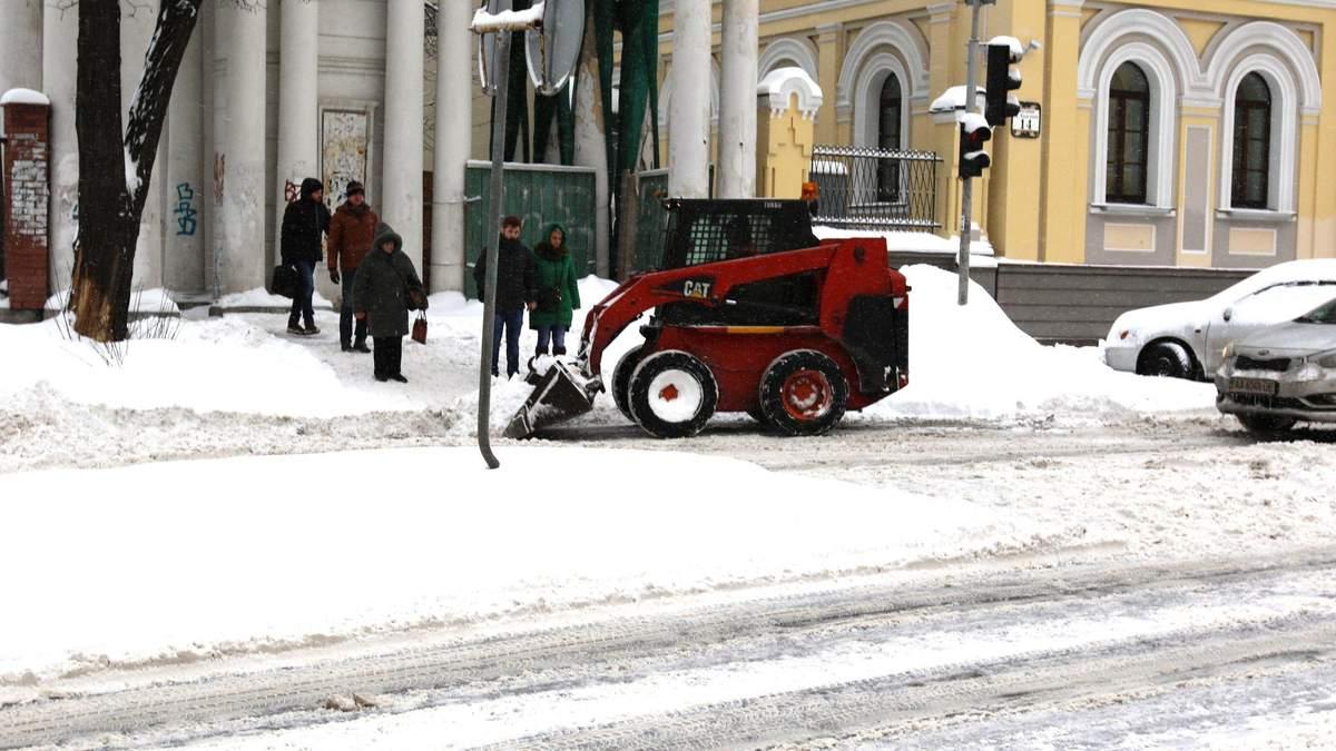 Закрытые учебные заведения из-за снегопада в Киеве