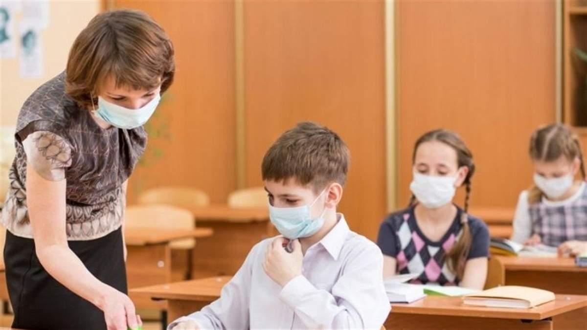 Как будут работать школы и садики из-за продления карантина в Украине: объяснение Шкарлета