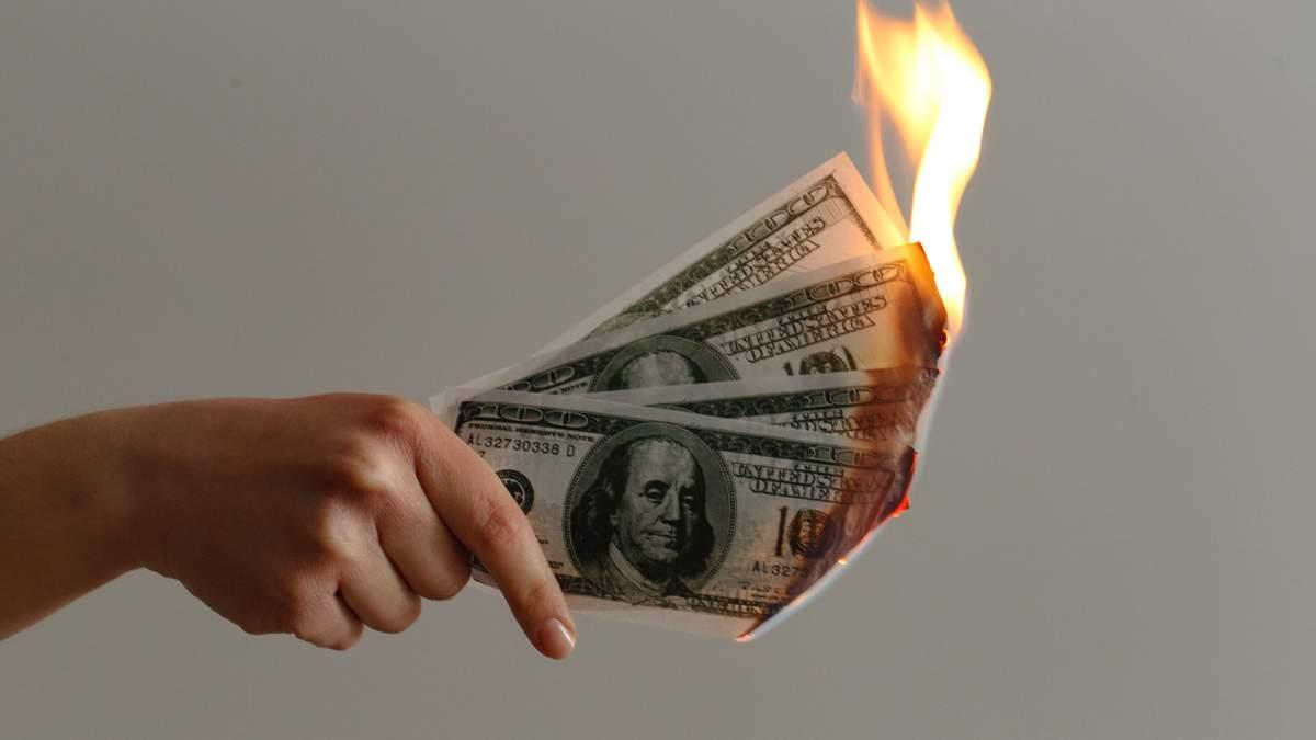 Незаконні умови фінансових договорів