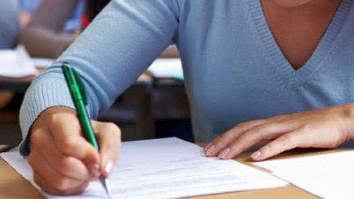 Экзамен по украинскому языку летом сдадут до 150 тысяч человек: кому это нужно