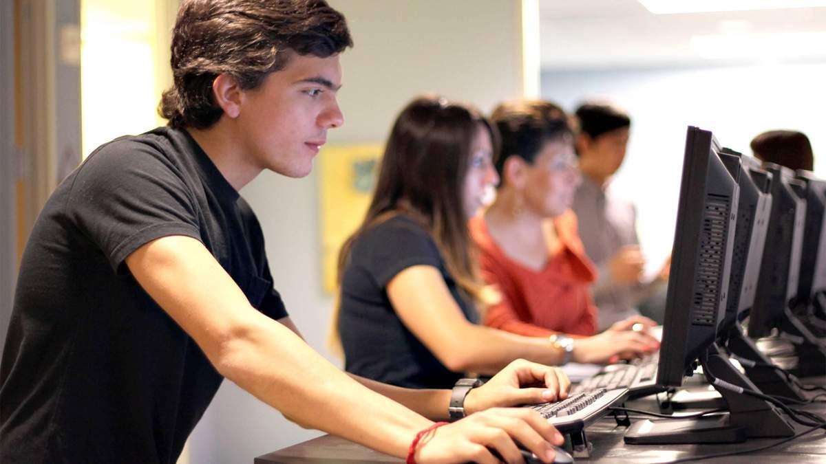 МОН будет проверять трудоустройства выпускников университетов