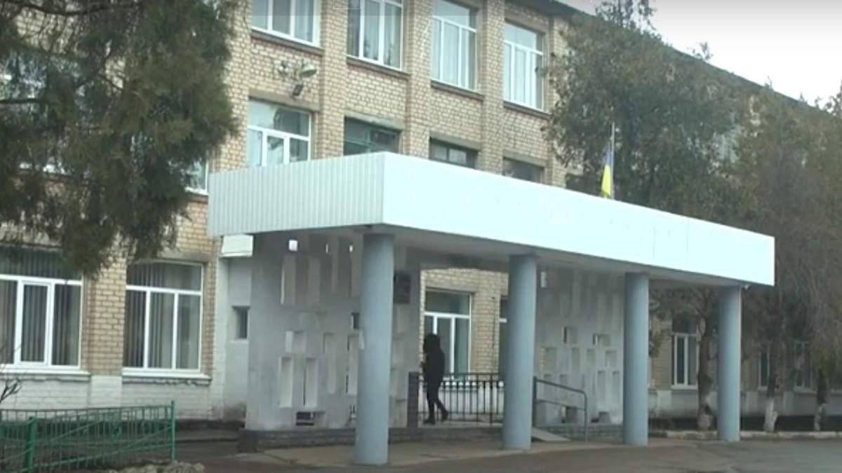 У школі на Миколаївщині дівчат і хлопців розділили на різні класи