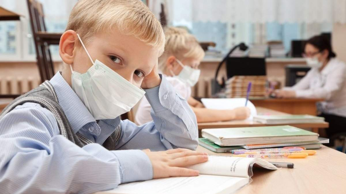 Запрет посещать школу ученикам без прививок не нарушает право на образование, – Денисова