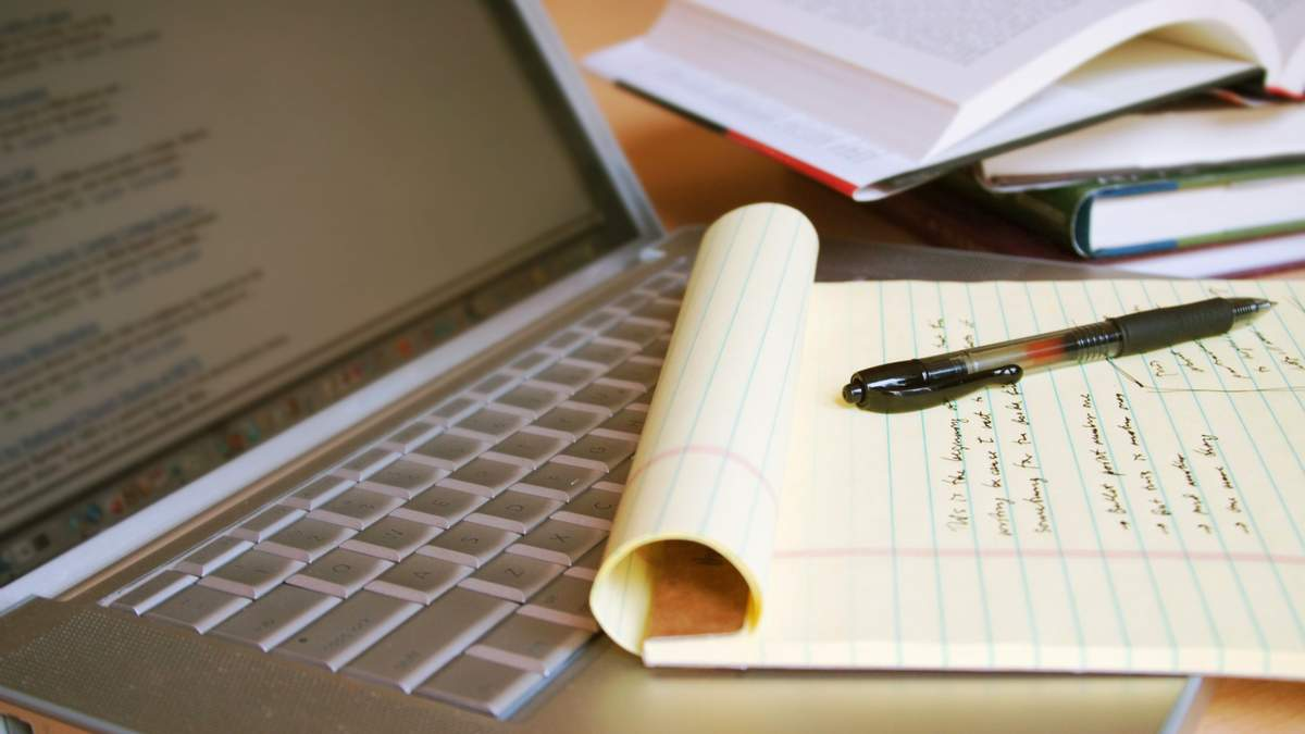Штраф за курсові і дипломні, написані на замовлення: законопроєкт