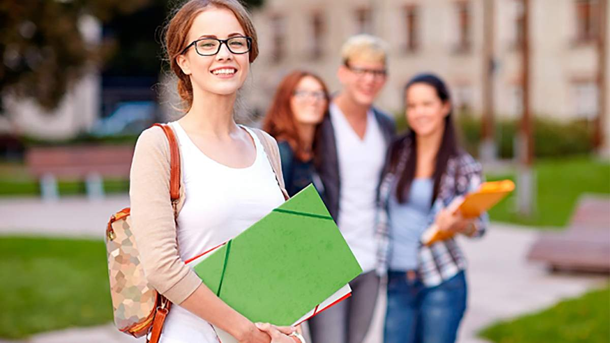 Вступ на бакалавра 2021: всі деталі та відповіді на запитання