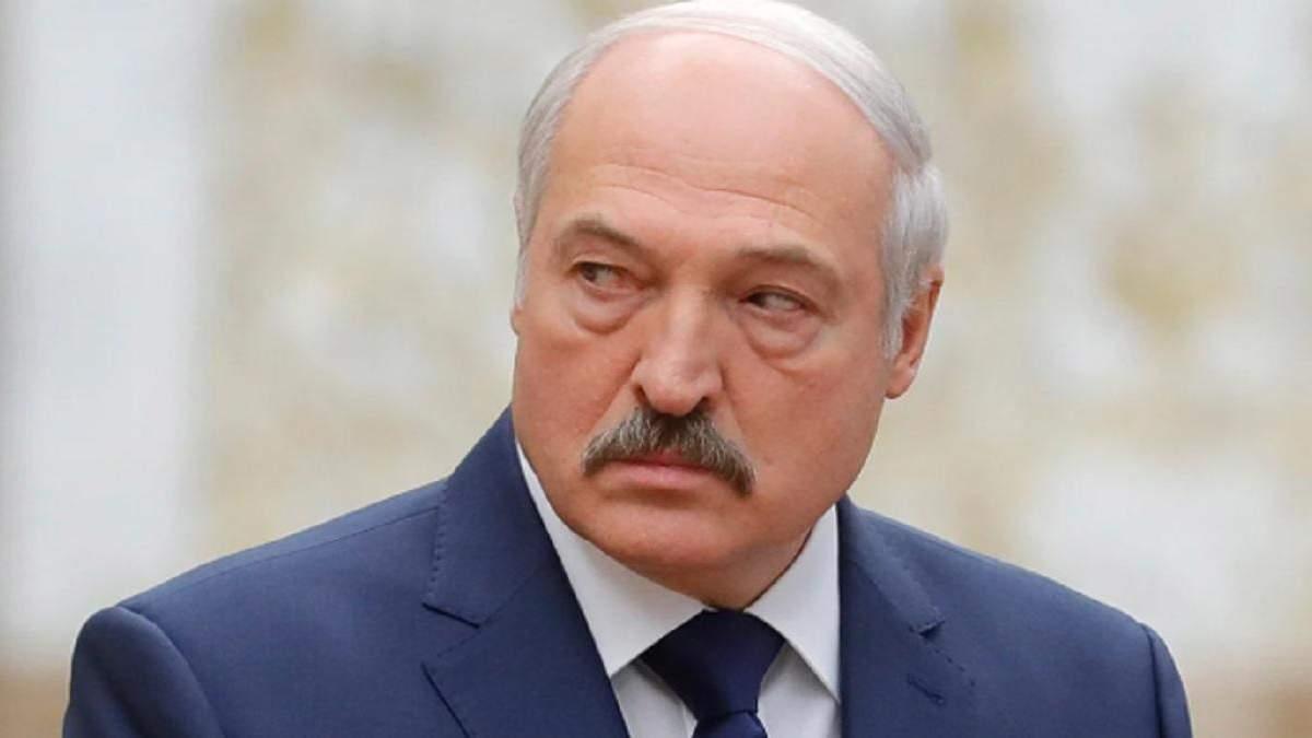 Ректор КНУ просить позбавити Лукашенка звання почесного доктора