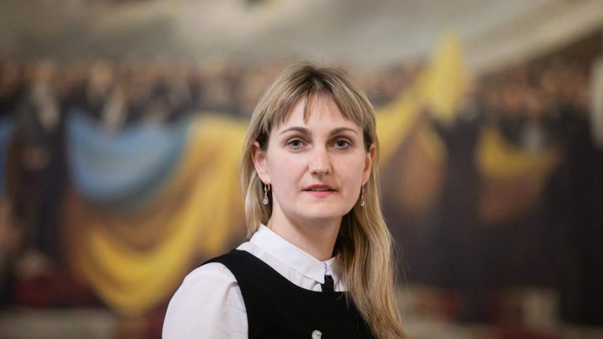 Почему учителя в Украине получают неполную зарплату: как это изменить