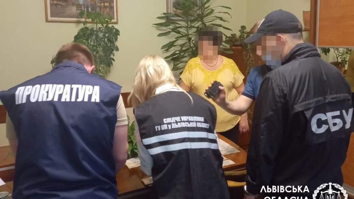 У Львівській політехніці затримали директорку підрозділу за хабар