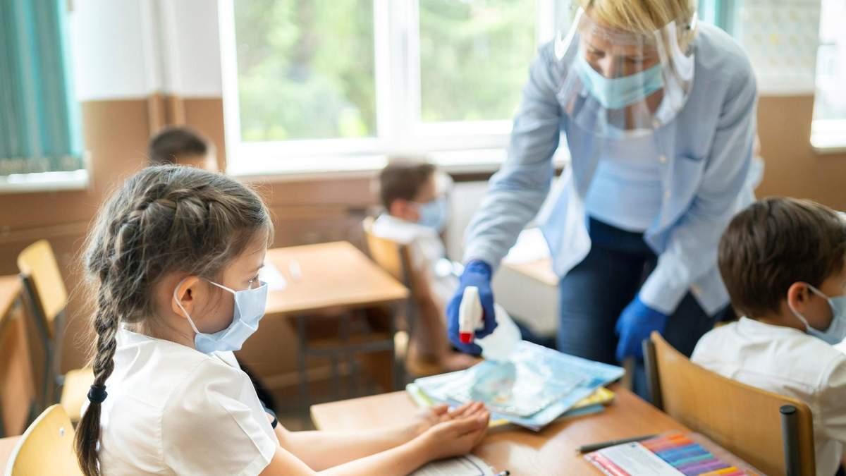 ВООЗ рекомендує проводити у школах тестування на COVID-19