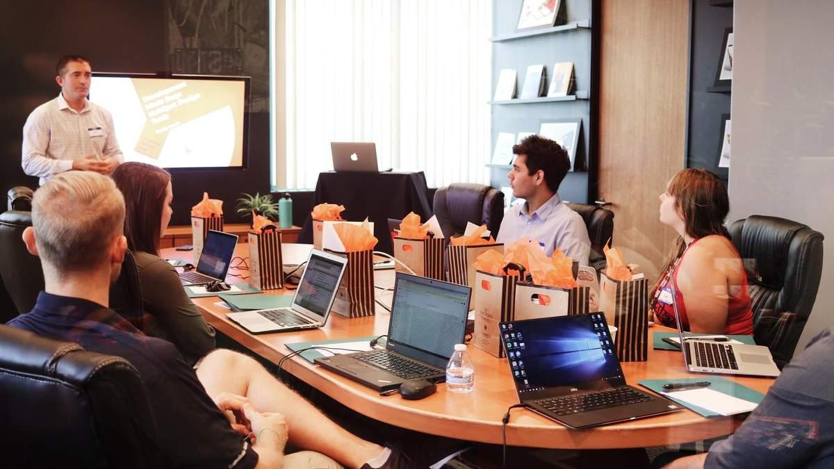 Создать бизнес в области финансового образования