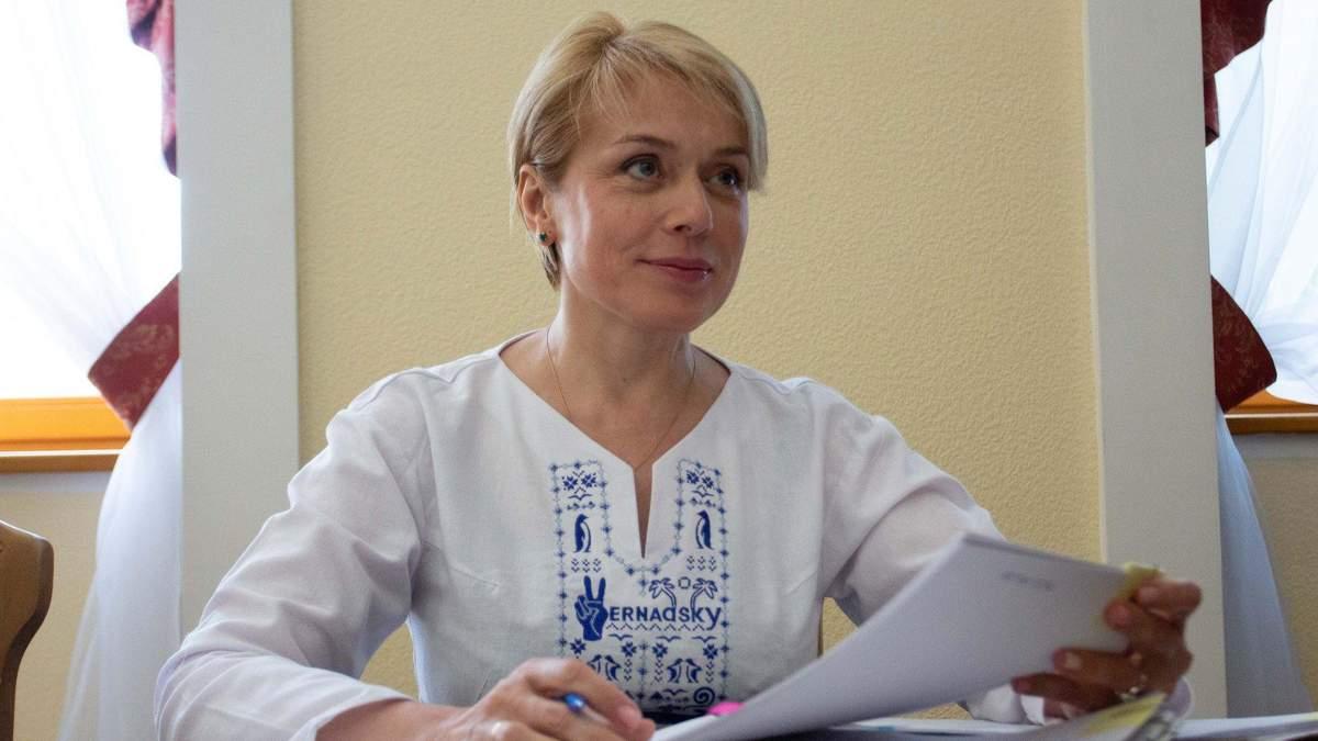 Как Лилия Гриневич оценивает работу Шкарлета и чем гордится