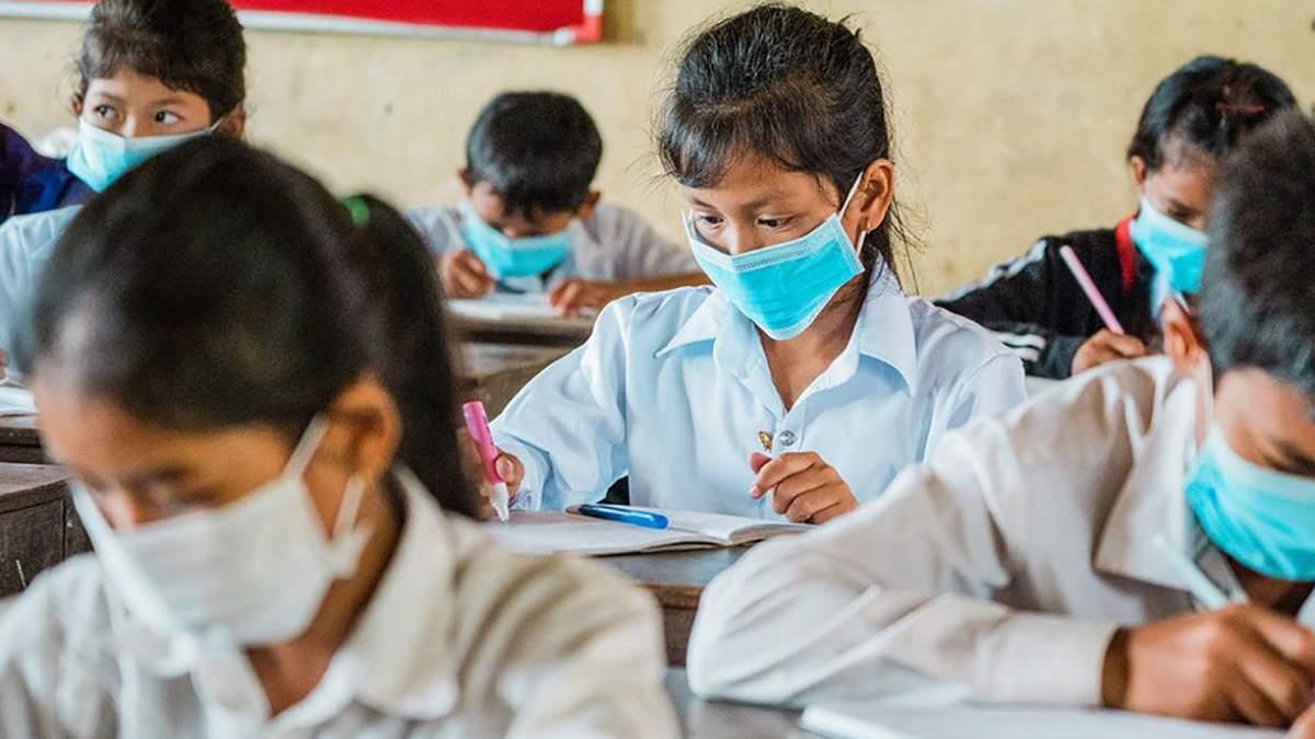 ООН закликає відкрити всі школи через випадки насильства та вагітності