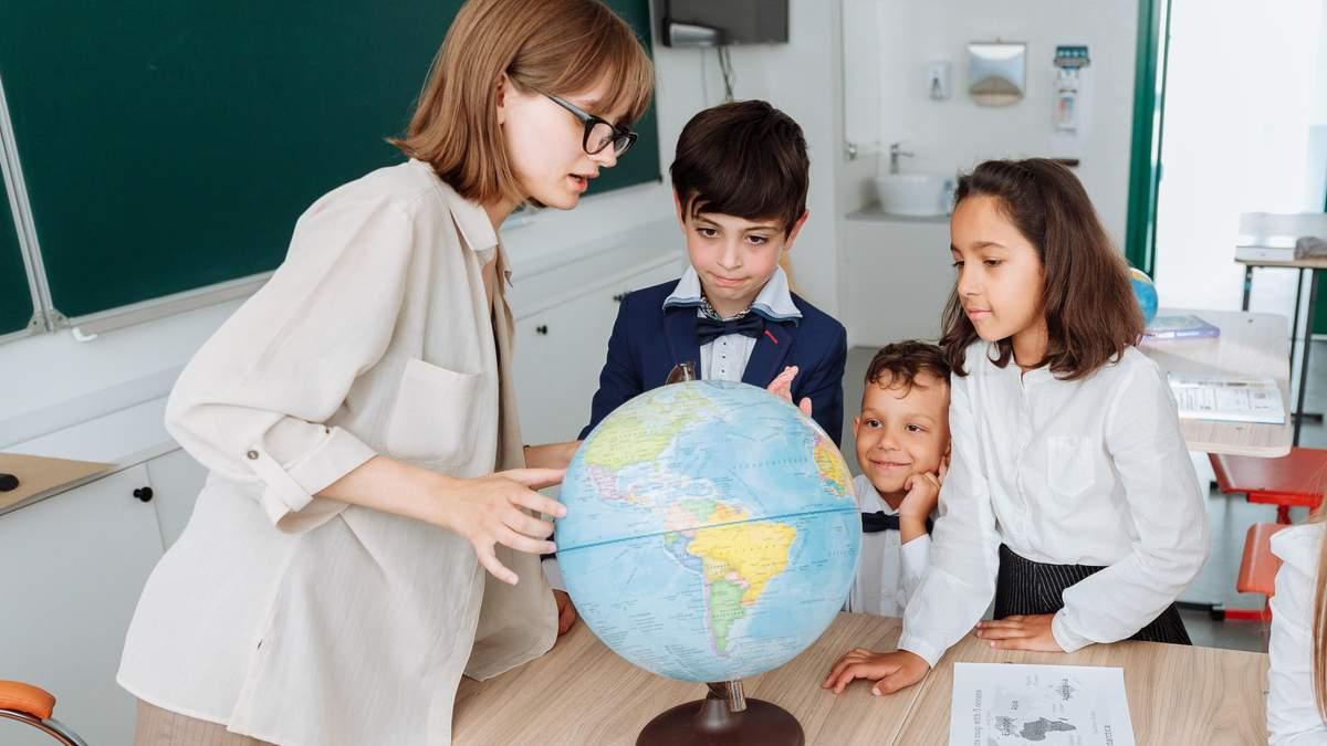 Як вчителі мають виховувати школярів: рекомендації МОН до 1 вересня