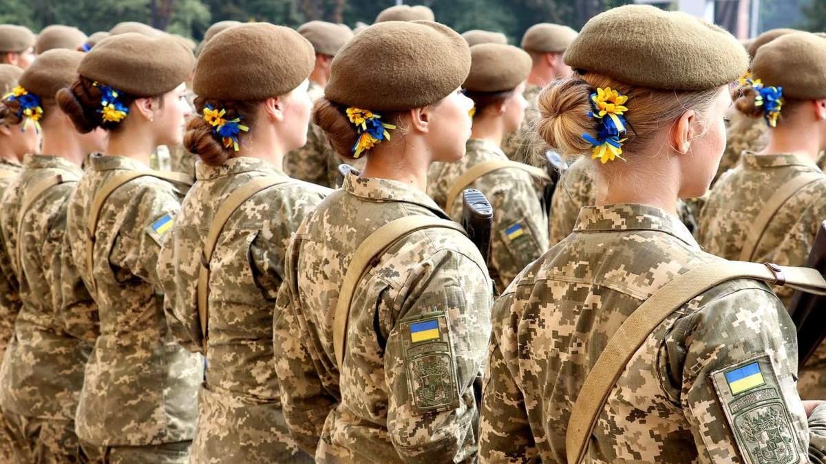 Скільки дівчат вступили у військові виші та коледжі у 2021 році