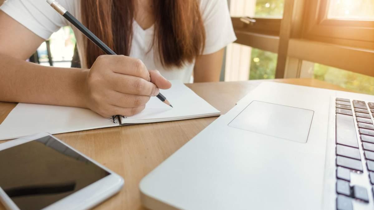 Треба розвивати дистанційне навчання для учнів з окупованих територій, – Кремінь - Україна новини - Освіта