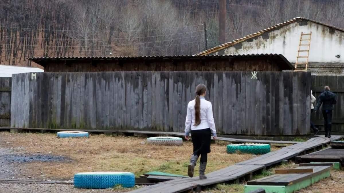 Понад 450 шкіл досі користуються туалетами на вулицях, – Шкарлет - Україна новини - Освіта