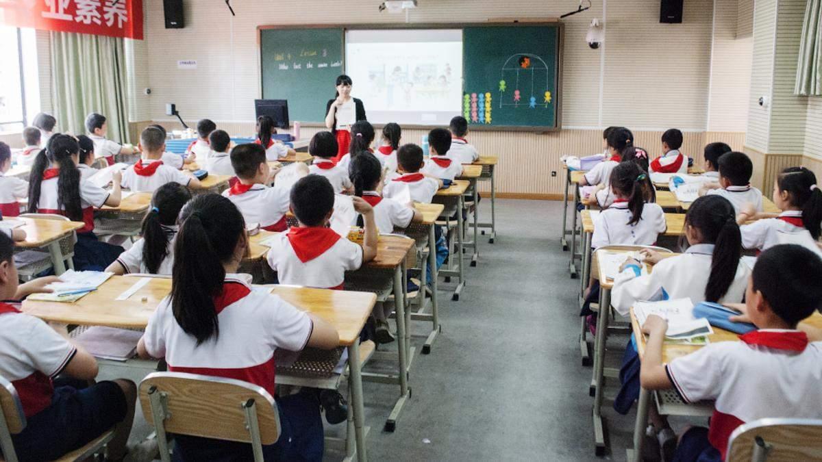 """У Китаї ввели для всіх учнів та студентів предмет """"Думки Сі Цзіньпіна"""" - Освіта"""