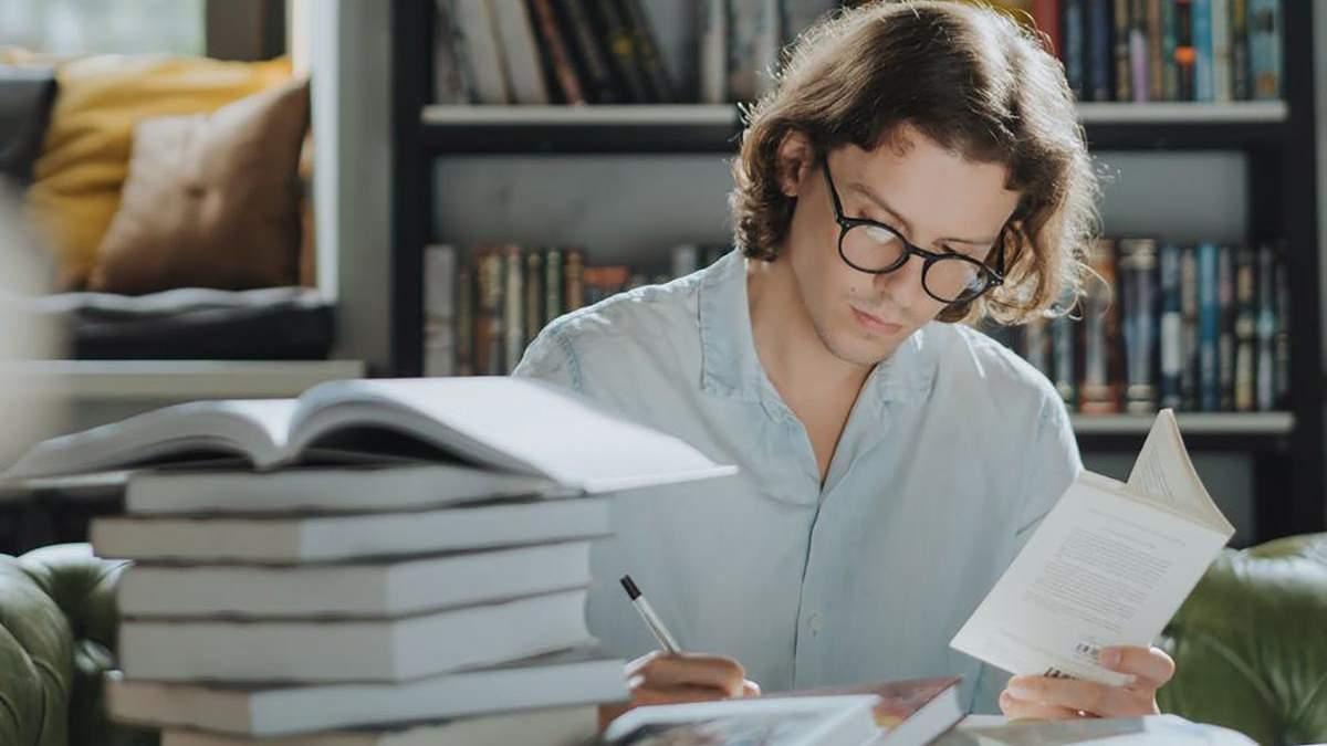 Вчені пояснили, чому мозок краще запам'ятовує, коли має перерви між навчанням - Освіта