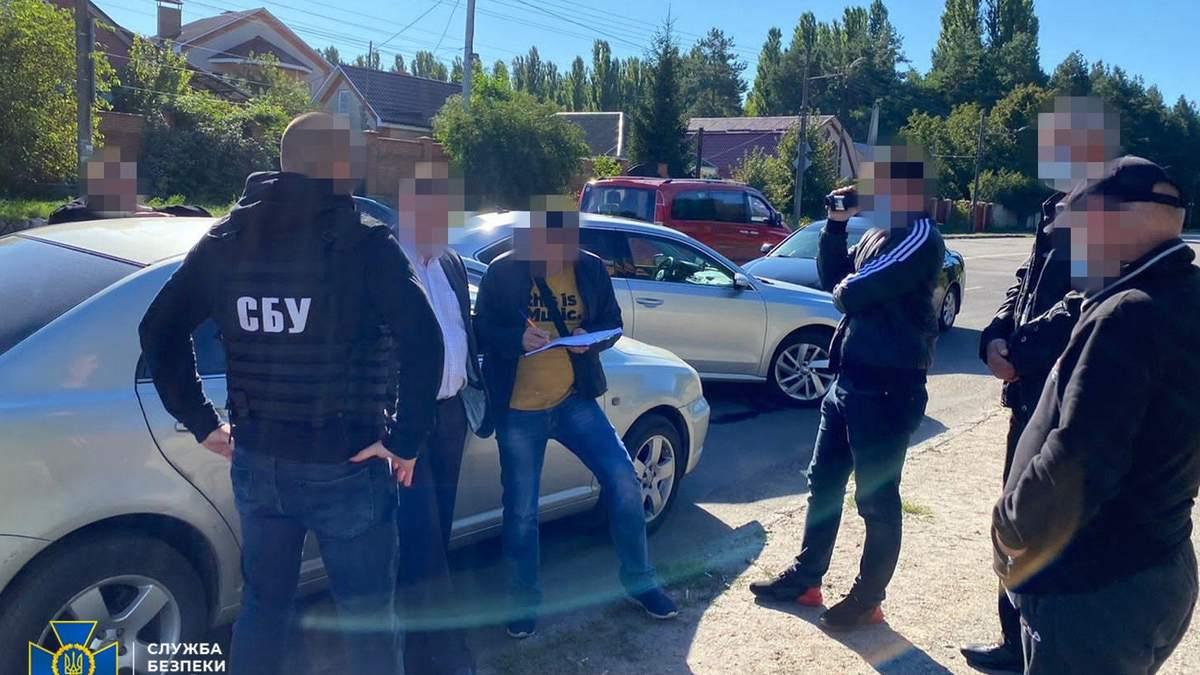 СБУ разоблачила на взятке начальника Летной академии НАУ: фото и видео с места происшествия