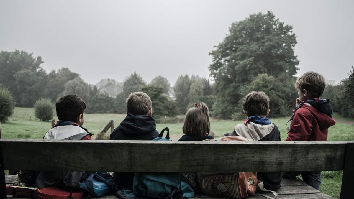 Anti2010: у Франції масово цькують 11-річних дітей через тренд в інтернеті - Освіта
