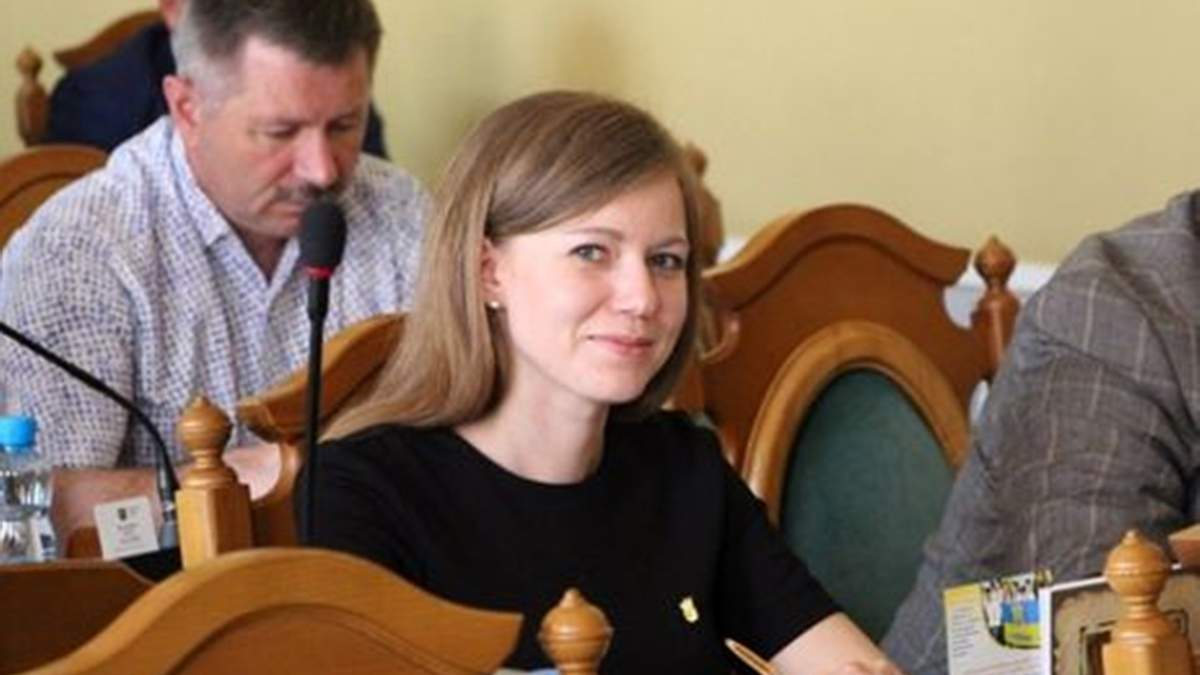 Львівська вчителька, яка захоплюється Гітлером, вже три роки не може поновитися на посаді - Новини Львова сьогодні - Освіта