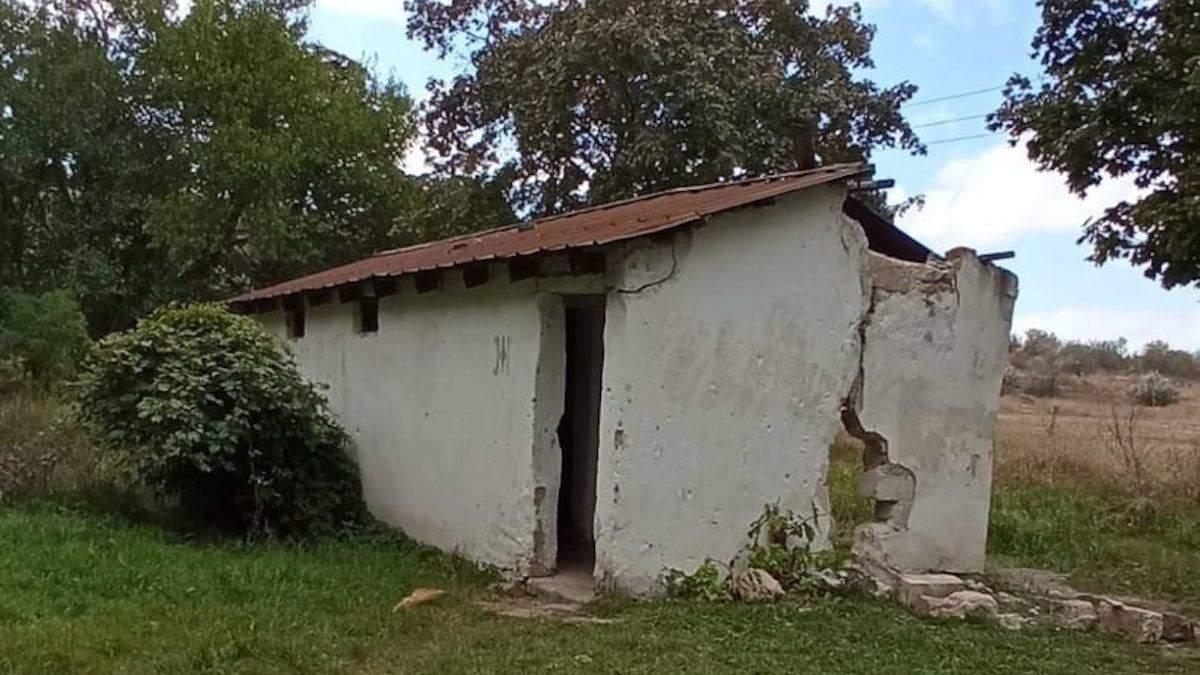 Школярів в окупованому Криму змушували ходити в туалет у вигрібну яму - новини Криму - Освіта