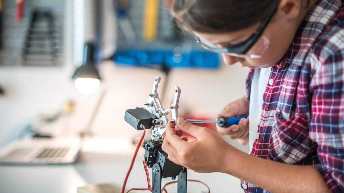 Робототехника и STEM-образование: МОН обновило модельные программы для учеников 5-6 классов НУШ