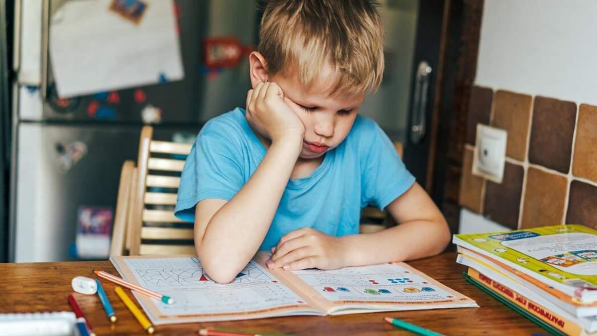 Должны ли родители покупать печатные тетради детям на обучение: объяснение