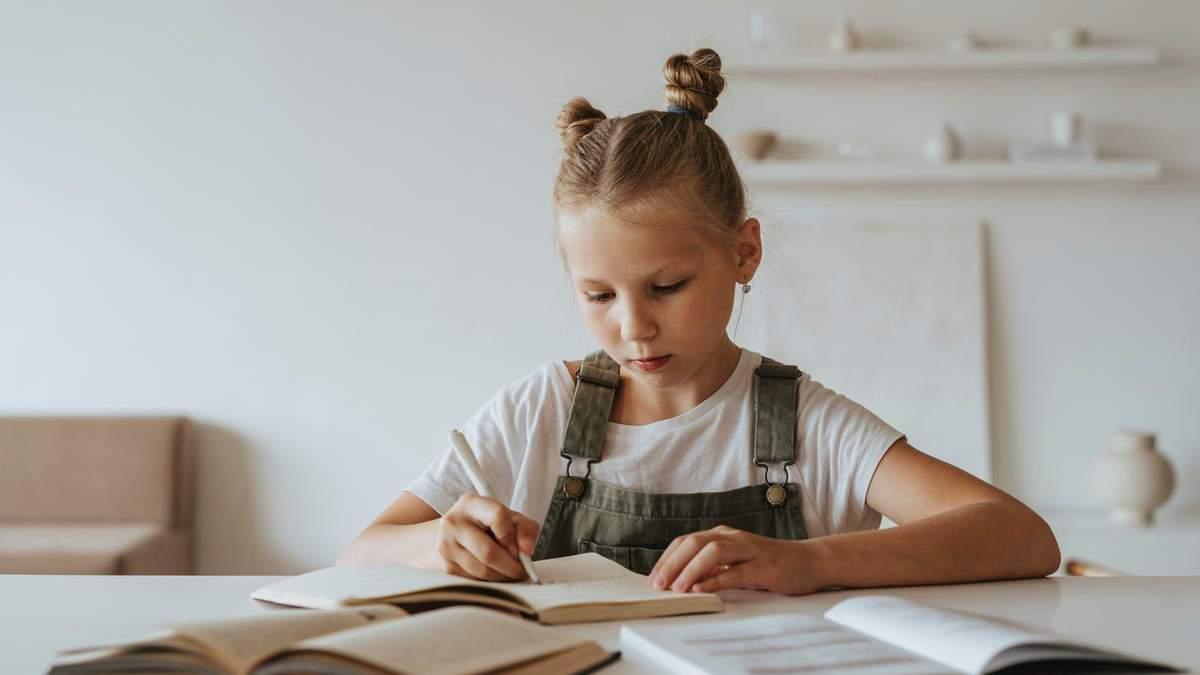 Школы в Одессе переходят на дистанционное обучение, каникулы не перенесли