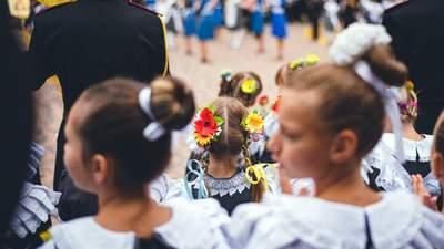 1 вересня в школах: яскраві фото та відео учнів з початку навчального року
