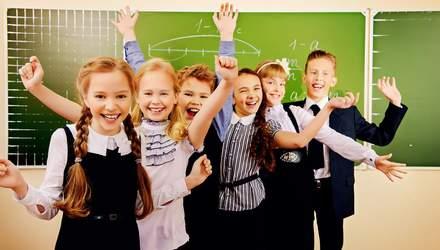 На Дніпропетровщині вчителі та школярі заробляють на відходах
