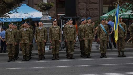 Випускників не забиратимуть до армії цього літа: заява МОН