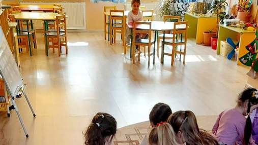 У садочку Чернівців дівчинці заборонили гратися з іншими: її батьки не здали грошей на подарунок