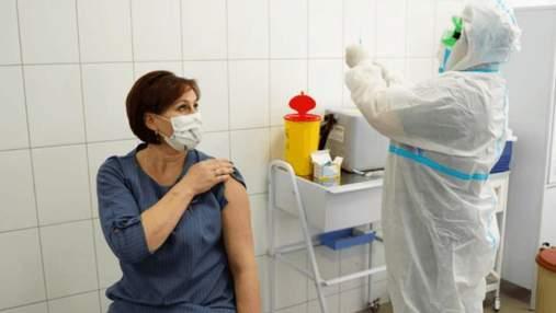 Списки на вакцинацію вчителів готуватимуть директори шкіл, – МОЗ
