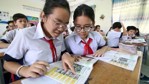 З шкільних бібліотек Китаю приберуть усі книжки з ідеями Заходу, щоб діти вчили Сі Цзіньпіна