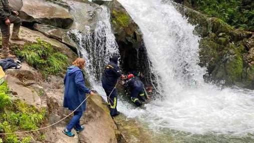 Гибель школьника на водопаде Каменка: учительницу обвинили в смерти ученика
