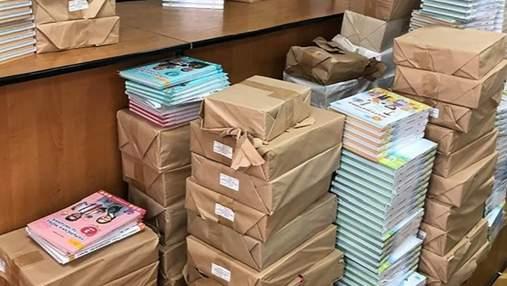 Часть новых учебников, которые доставляли в школы для 4 классов, повредил ливень