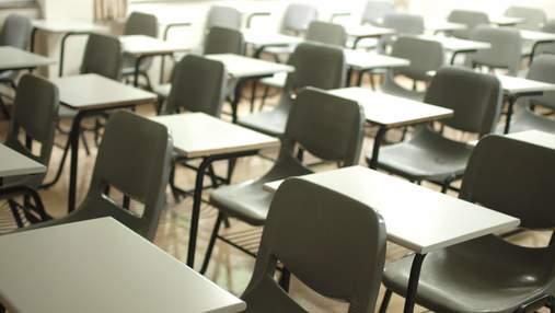 Жодна школа у Рівному не вакцинувала понад 80% персоналу: чим це загрожує