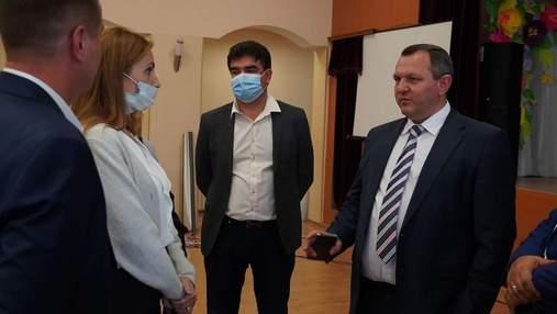 На Київщині закриватимуть школи, де не буде 80% вакцинованих учителів