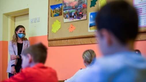 Школа в Киеве может перейти на дистанционку из-за недостоверных данных о вакцинации учителей