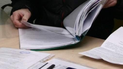 У Києві масово перевіряють школи та садочки на кількість вакцинованих працівників