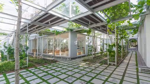 Обучение среди растений: во Вьетнаме создали детсад-оранжерею