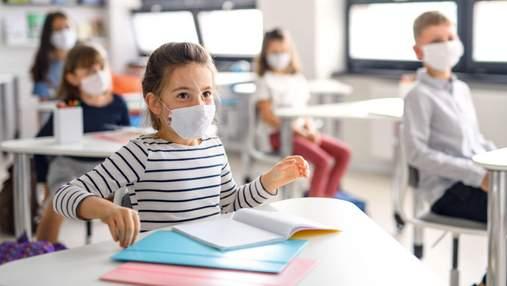 Вакцинация или карантин: все о работе школ, ограничениях и обязательных прививках для учителей