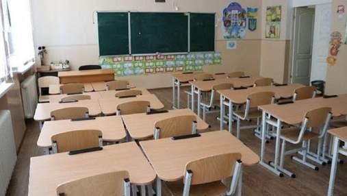 Розкрадання на шкільних стільцях: прокуратура повідомила про підозру четвертому фігуранту схеми