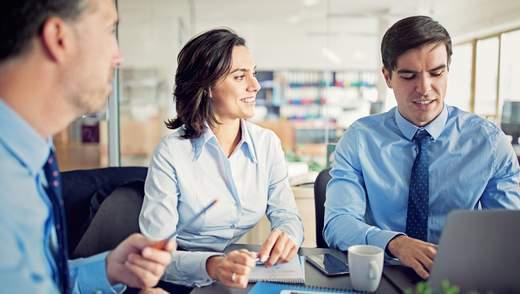 Избегать конфликтных тем и не раздражать коллег: важные правила делового этикета на работе